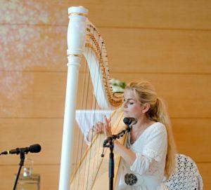 marion-hensel-harfe-weiss