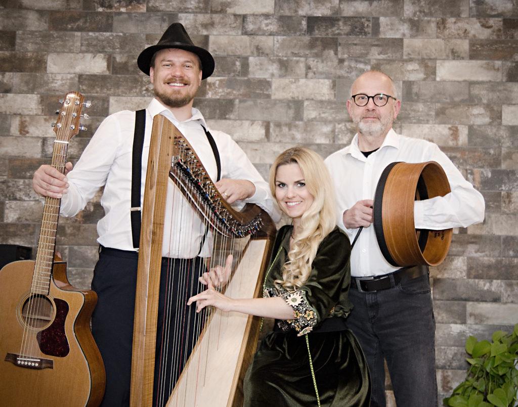 Trio Tempera: Irish Folk mit Marion Hensel (Harfe), Stefan Hensel (Gitarre) und Ernst Reiter (Percussion).